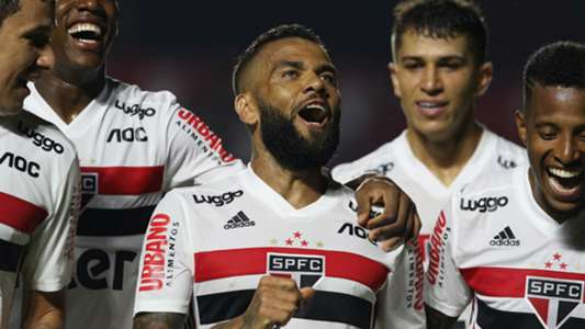 Daniel Alves wants to leave Sao Paulo for Europe - Connectley News