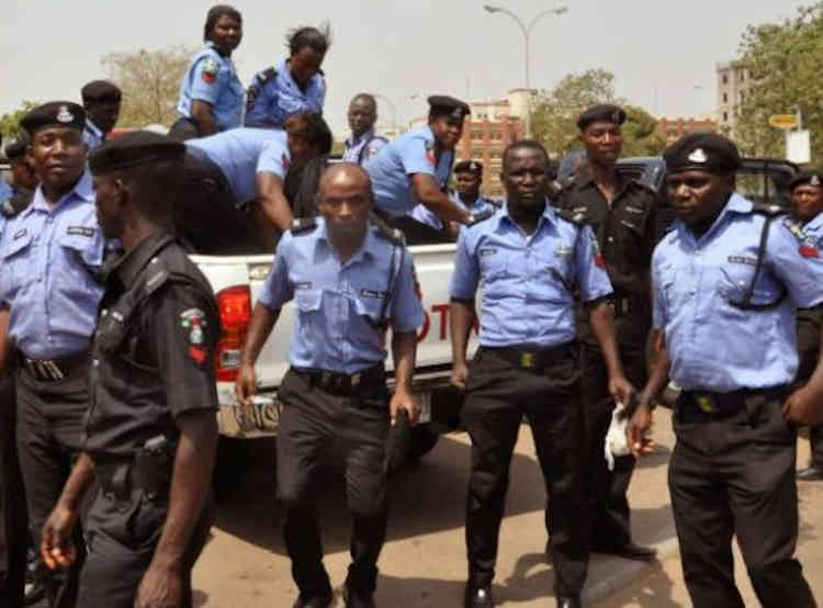 Officers Assaulting A Suspect in Lagos, Police Reacts To Viral Video - Connectley News